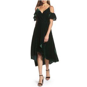 Chelsea28 cold shoulder velvet midi dress XS green